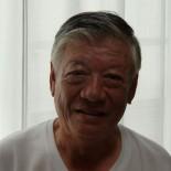 歌津に生まれ育ち、中学時代は陸上の選手、高校時代はバレーボール部の主力選手として活躍し、スポーツ万能青年だった及川徹さんの自分史です。臨床検査技師として志津川病院に勤務、退職後は歌津町・南三陸町議会議員をお務めになりました。歌津と志津川を爽やかに駆け抜けてきた印象を与えてくれるお話です。