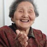 昭和の初めにお生まれになった佐藤はぎのさんの軌跡をお聞きすると、いかに今の世の中で自分がのほほんと生きているかを思わずにはいられません。現代の平和で豊かな生活の基盤は、はぎのさんのような明るくたくましく情にあふれた女性達が築き上げてきたのだということを感じました。